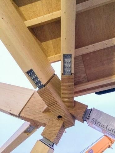 Assemblage sur du bois/métal