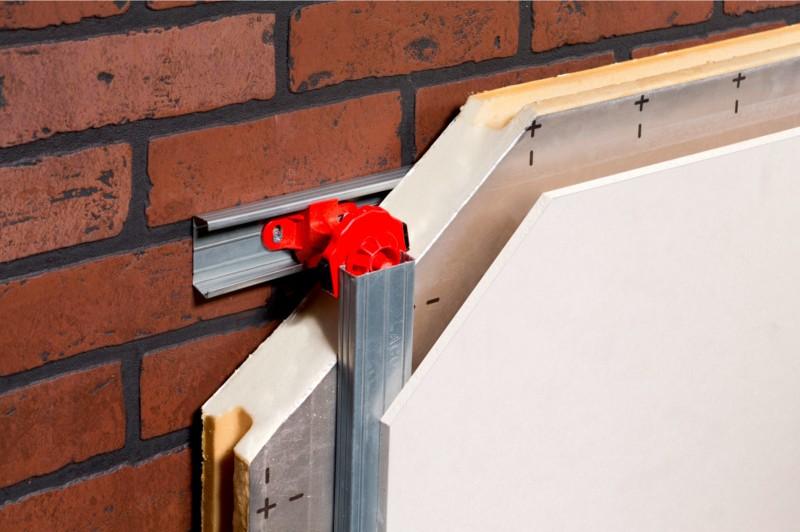 Nouveau produit : l'appui intermédiaire Isola pour la pose de placoplâtre au mur