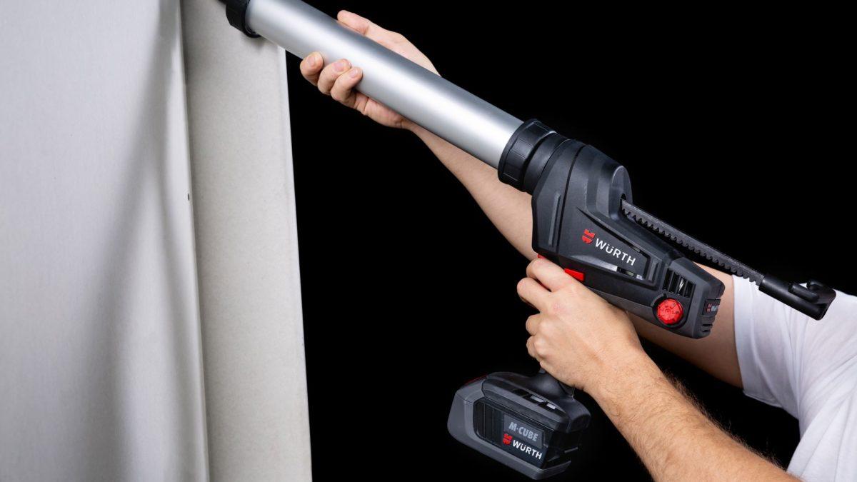 Nouveau pistolet mastics à batterie Li-Ion 18 V AKP 18-600 M-CUBE® – Assurez des kilomètres de joints sans effort !