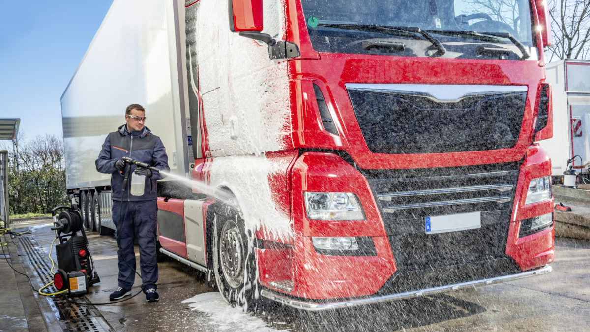 Entretien et lavage des poids-lourds : nos conseils et produits Würth